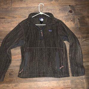 Patagonia quarter zip pull over